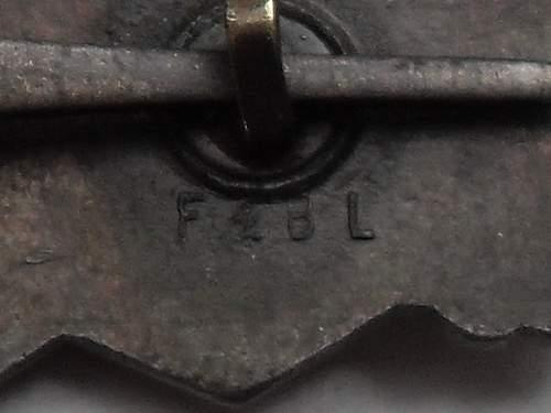 My latest purchase bronze Nahkampfspange: F&BL
