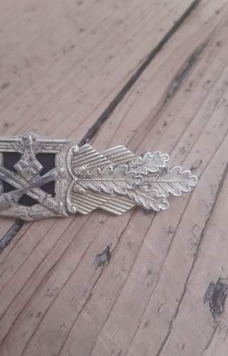 Nahkampfspange in Silber Postwar or Original ?
