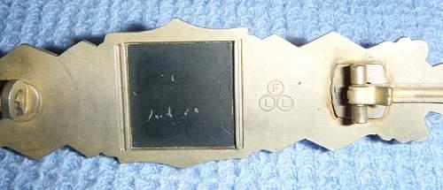 Click image for larger version.  Name:Close Combat bar gold (back) 1.JPG Views:113 Size:232.7 KB ID:195189