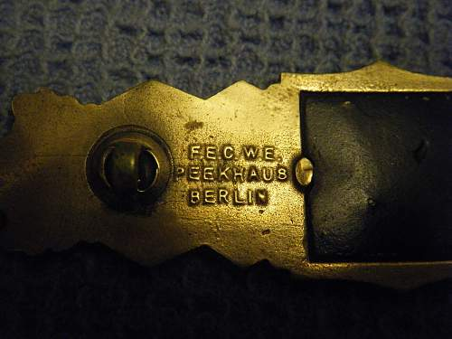 Click image for larger version.  Name:Close Combat bar bronze (back) 2.jpg Views:91 Size:140.7 KB ID:195192