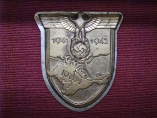 HELP PLEASE Nahkampfspange and Krim/Kuban shields