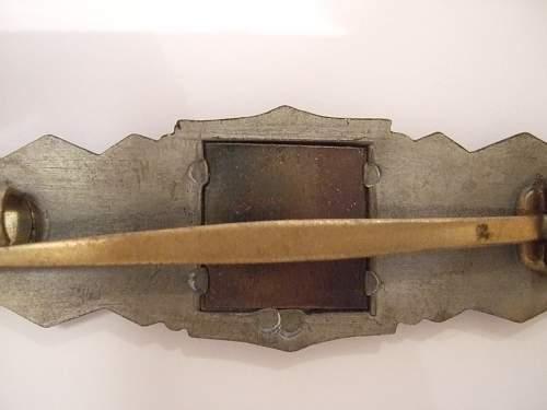Nahkampfspange in bronze Deschler