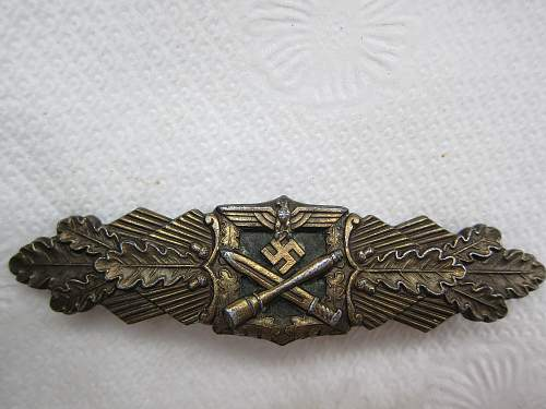 Click image for larger version.  Name:Close Combat Clasp-Bronze, Junker Berlin (Naehekampfspange Bronze) (5).jpg Views:384 Size:246.1 KB ID:299345