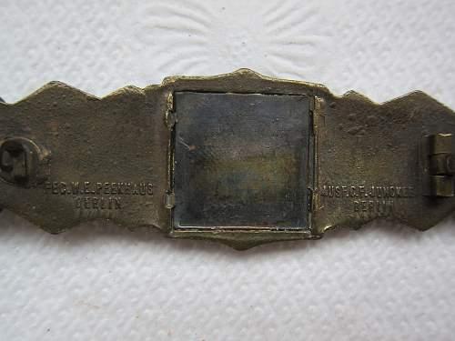 Click image for larger version.  Name:Close Combat Clasp-Bronze, Junker Berlin (Naehekampfspange Bronze) (10).jpg Views:98 Size:239.4 KB ID:299347