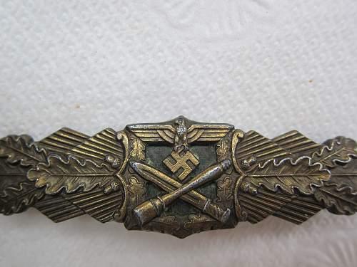Click image for larger version.  Name:Close Combat Clasp-Bronze, Junker Berlin (Naehekampfspange Bronze) (6).jpg Views:178 Size:243.6 KB ID:299348