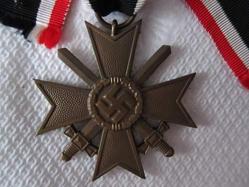 Click image for larger version.  Name:KVK II-S Unmarked (Kreigsverdienstkreuz mit Schwertern 2 (4).jpg Views:82 Size:242.2 KB ID:299352