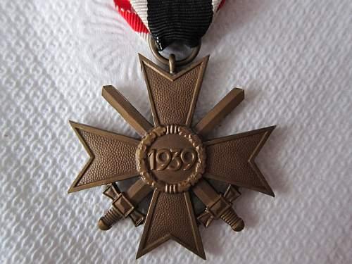 Click image for larger version.  Name:KVK II-S Unmarked (Kreigsverdienstkreuz mit Schwertern 2 (6).jpg Views:80 Size:247.9 KB ID:299353