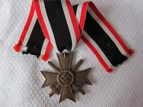 Click image for larger version.  Name:KVK II-S Unmarked (Kreigsverdienstkreuz mit Schwertern 2 (3).jpg Views:78 Size:250.6 KB ID:299355