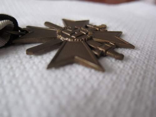 Click image for larger version.  Name:KVK II-S Unmarked (Kreigsverdienstkreuz mit Schwertern 2.jpg Views:86 Size:263.1 KB ID:299357