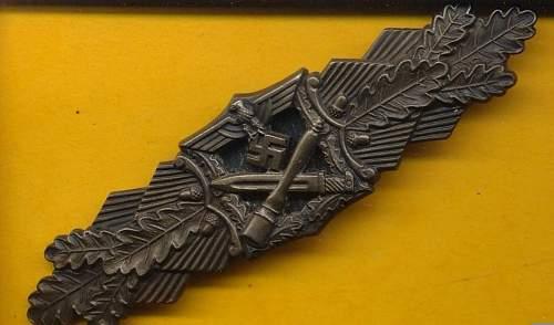 Original Nahkampfspange by JFS in Bronze?