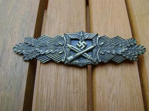My A.G.M.u.K Nahkampfspange in Bronze.