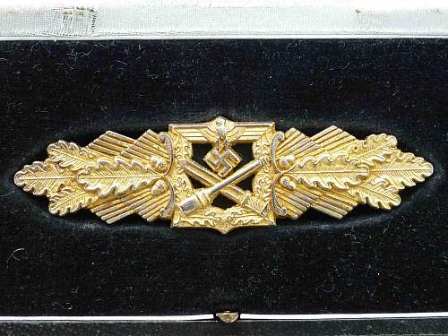 Presentation Nahkampfspange in Gold with top hook: brass???