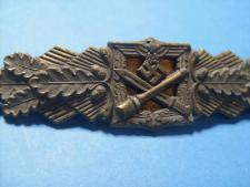 Legion Condor Spanienkreuz and F&BL Nahkampfspange in Gold