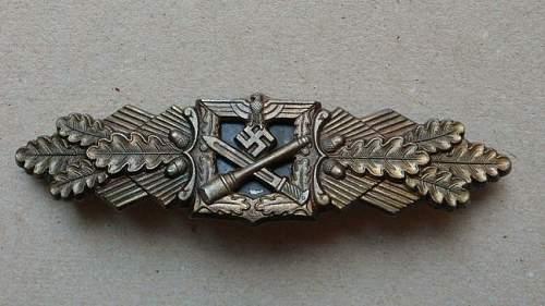 Nahkampfspange in Bronze- Original?