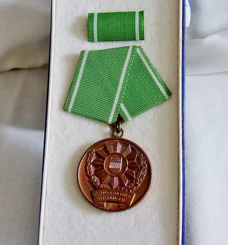 DDR MDI medal with Urkunde