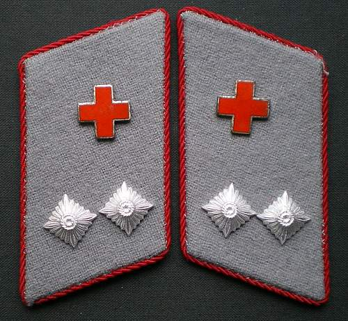 Cloth insignia of the DRK der DDR