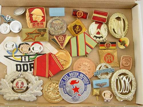 Click image for larger version.  Name:medals badges for 1e.jpg Views:8 Size:321.5 KB ID:1371868