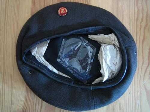 Unused DDR paratrooper beret
