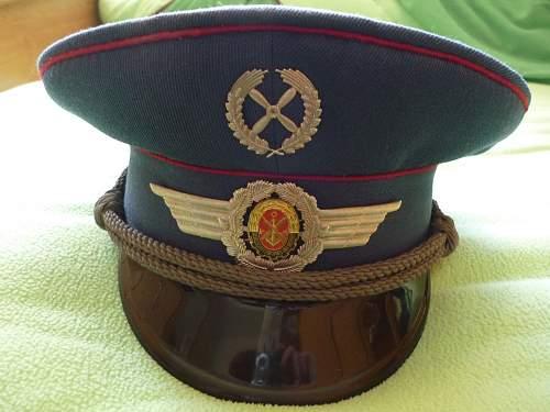 Click image for larger version.  Name:GST; Mitarbeiter Flug- und Fallschirmsprungausbildung (1982).jpg Views:21 Size:152.3 KB ID:677535