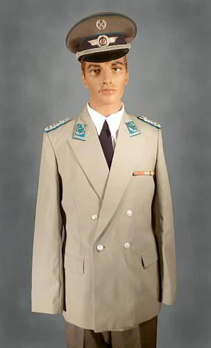 Click image for larger version.  Name:Luft kleiner gesellschaft uniform copy.jpg Views:917 Size:212.6 KB ID:851759