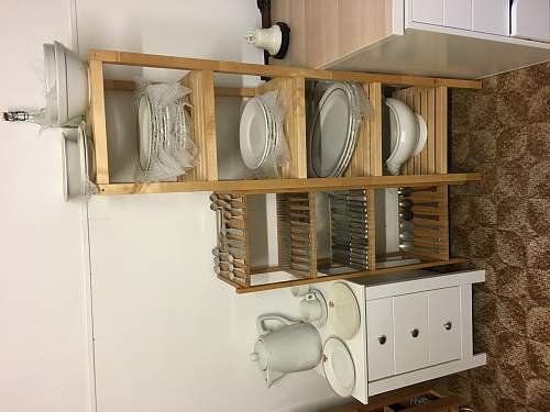 Porcelain and cutlery collector