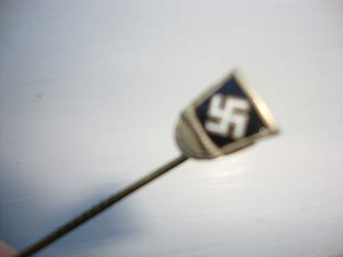 Any idea on this stick pin?