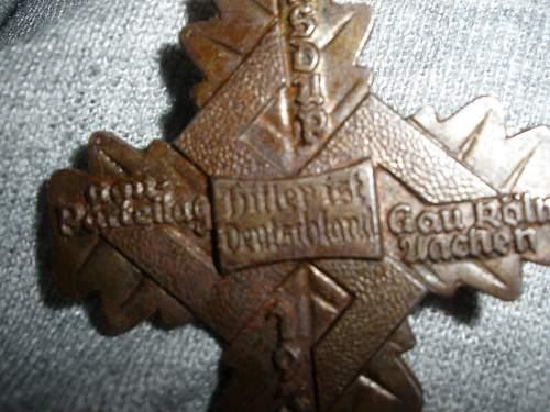 Tinnies, RAD & Heer Panzer cap badges