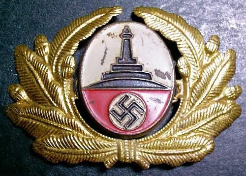 Click image for larger version.  Name:25) Kyffhauser Veterans cap badge.jpg Views:134 Size:123.3 KB ID:112191