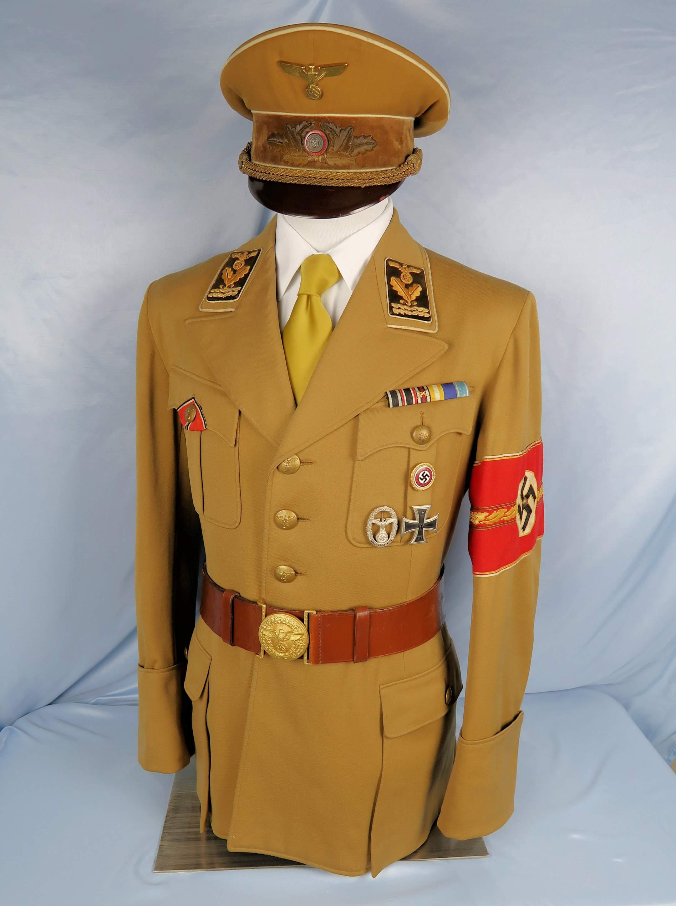 NSDAP Kreis level Hauptbereichsleiter tunic display