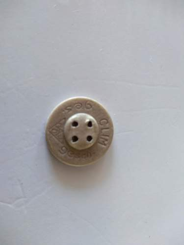 Two german buttons to identify