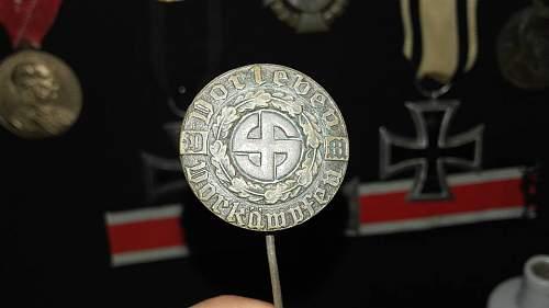 ID Volksgruppe in Rumänien button or pin?