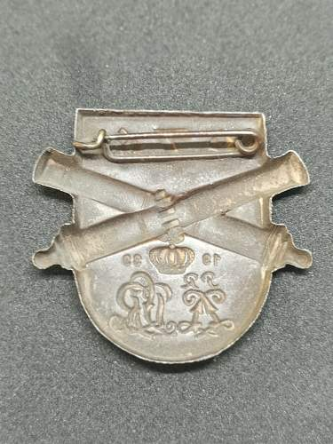 Help identifying Regimental tinnie/badge