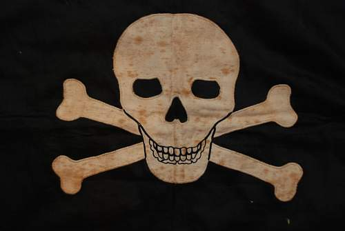 Click image for larger version.  Name:TOTENKOPF BANNER (12).JPG Views:80 Size:54.4 KB ID:142328