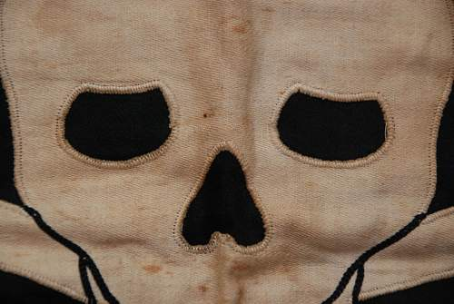 Click image for larger version.  Name:TOTENKOPF BANNER (10).JPG Views:116 Size:121.5 KB ID:142344