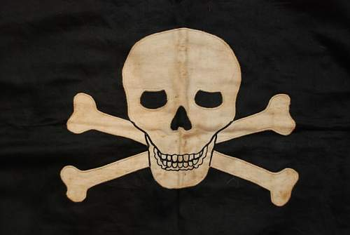 Click image for larger version.  Name:TOTENKOPF BANNER (3).JPG Views:69 Size:61.9 KB ID:142359