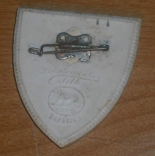 "CERAMIC or Porcelain ""Tinnie"" rally badge Pin ?  BAVARIAN EASTERN MARCH"