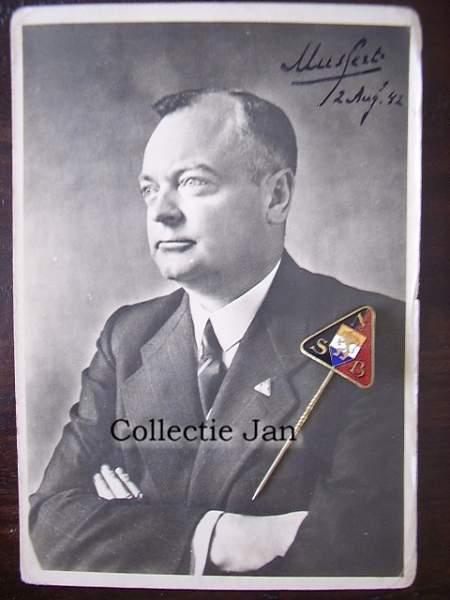 Click image for larger version.  Name:Foto Mussert met handtekening.JPG Views:323 Size:68.4 KB ID:19492