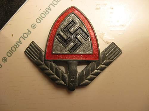 Kvk, RAD badges. Real or Fake? (I think fake)