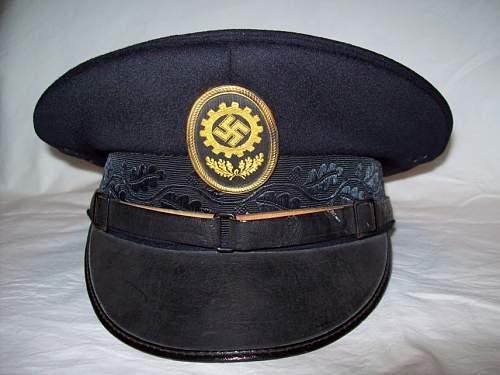 Party court visor !