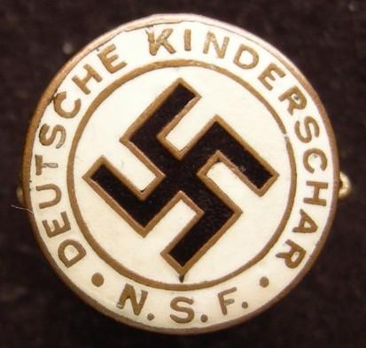N.S.F - Deutsche Kinderschar Badge