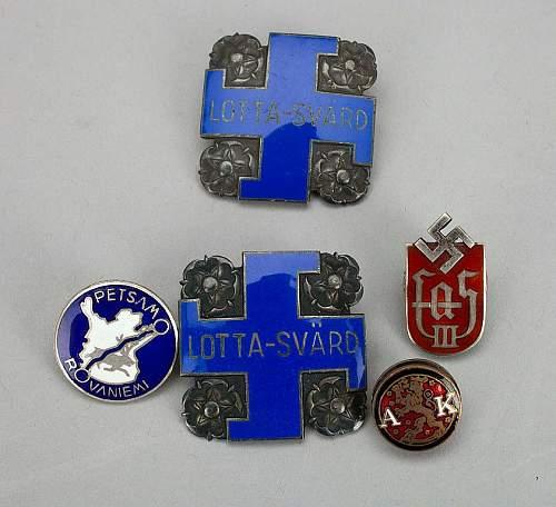 Interesting badge w swastika