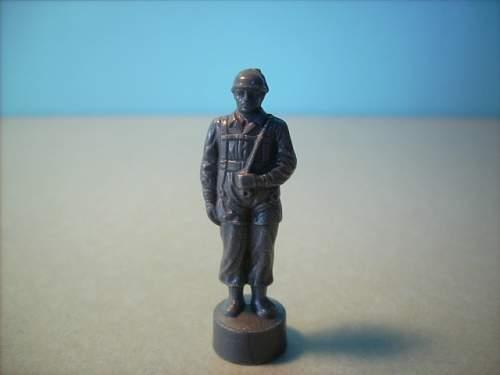 Need help ID'ing Figurine please