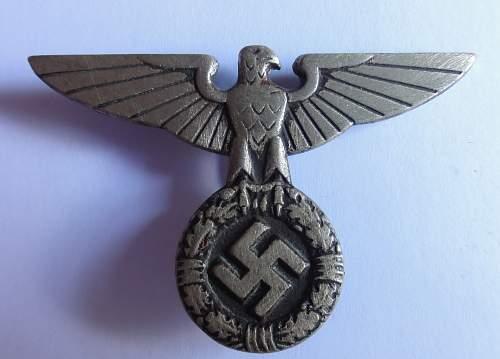 Is this an original political cap eagle?