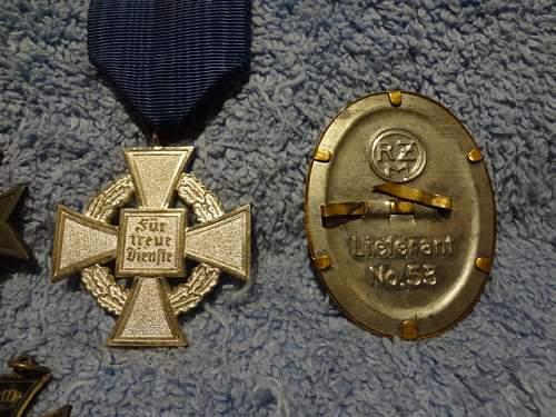 DAF cap badge?