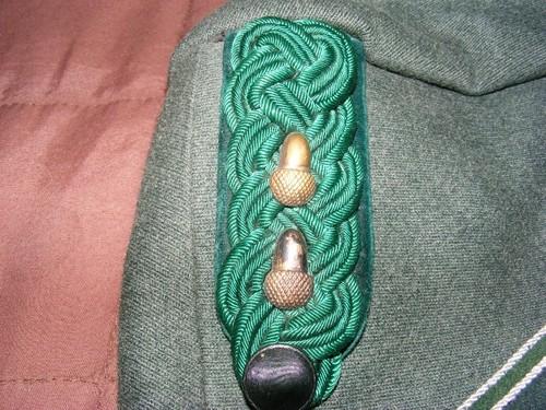 Name:  tunic shoulderboard.jpg Views: 241 Size:  86.4 KB