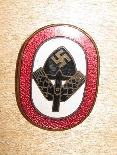 Click image for larger version.  Name:nazi shovel pin.jpg Views:150 Size:145.3 KB ID:379649