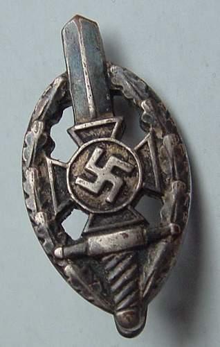 Old Comrades Lapel Badge