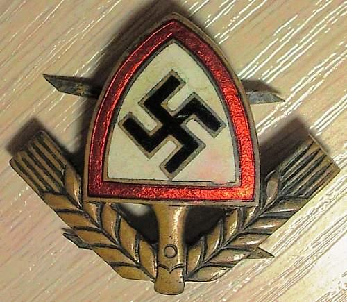 Click image for larger version.  Name:127) RAD cap badge.jpg Views:126 Size:173.7 KB ID:454837