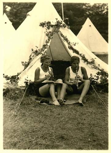 Click image for larger version.  Name:xSportfest 1938-Foto-Mädchen-1.jpg Views:95 Size:41.3 KB ID:486832