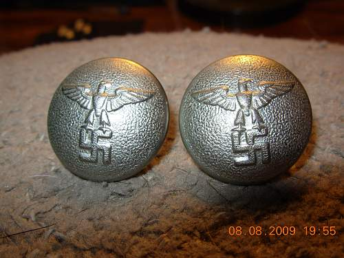 Political leader tunic buttons, i think